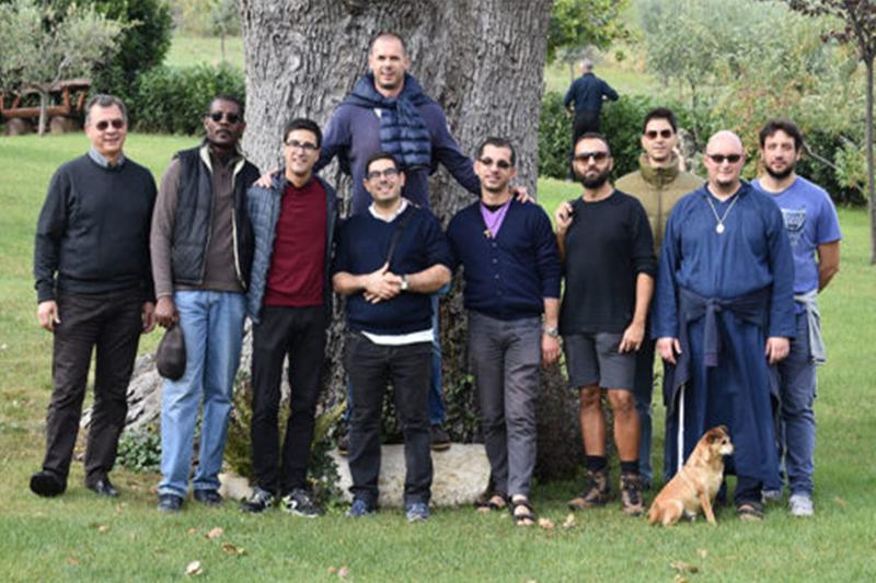 foto di gruppo dei giovani del seminario