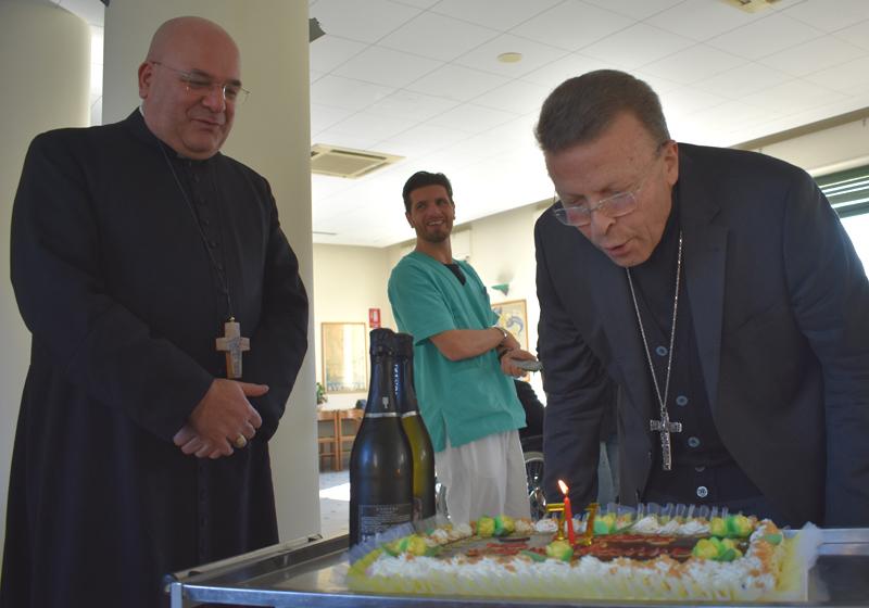 Mons. Trasarti, Vescovo di Fano festeggia il compleanno a Fermo