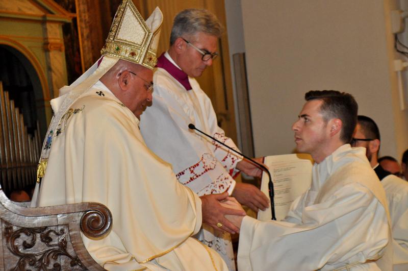 In festa per l'ordinazione presbiterale di don Luca Montelpare